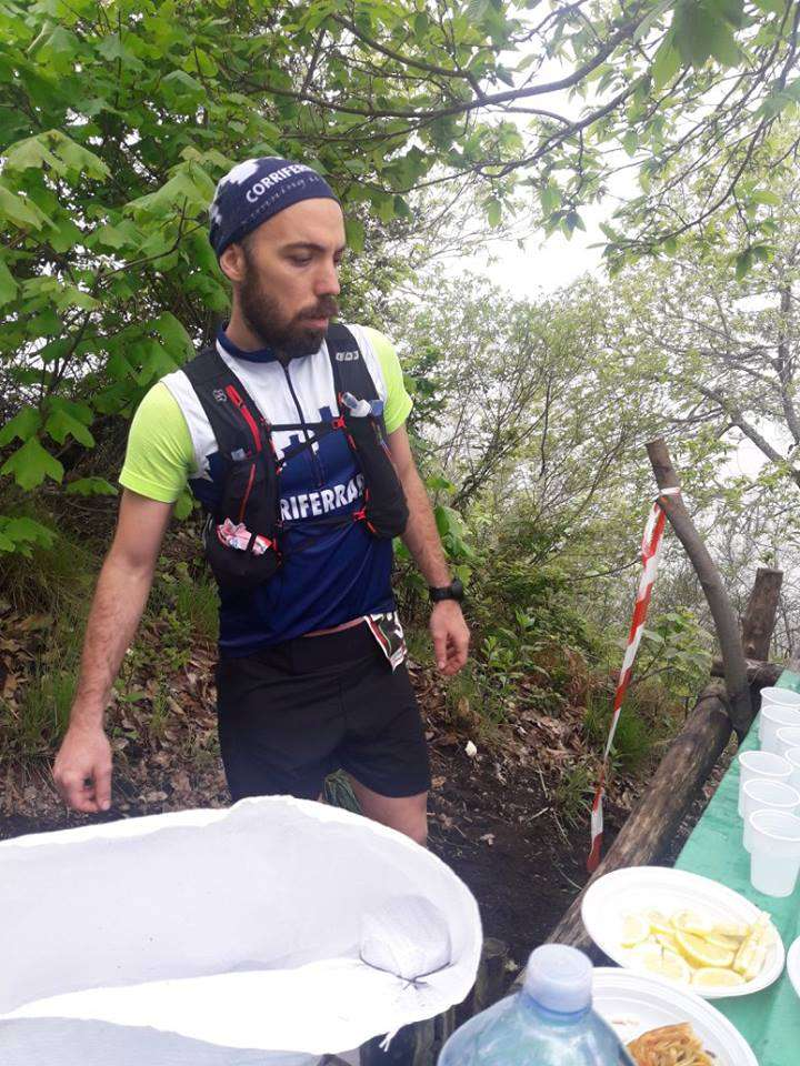 Riposo durante il Ristoro | Vesuvio Ultra Marathon